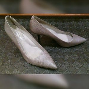 Kenneth Cole New York pumps!